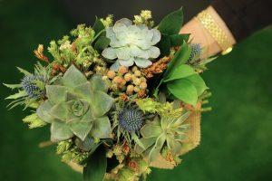 Üzenő virágcsokrok